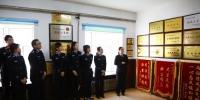 齐铁法院第12次开放日:晋督警官走进法院 零距离感受阳光司法 - 法院
